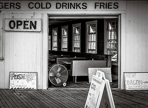 Cold Drinks by Steve Stanger