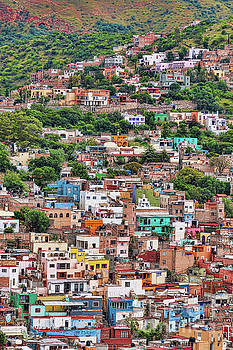 Tatiana Travelways - Colorful hilltop houses in Guanajuato, Mexico