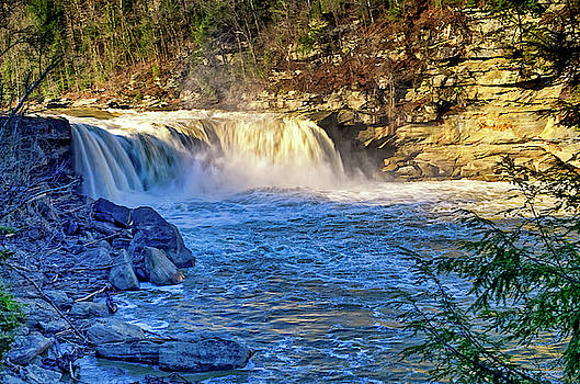 Tony Crehan - Cumberland Falls, sometimes called the Little Niagara, the Niagara of the South, or the Great Falls,