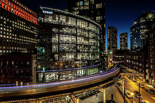 Curvy Chicago Train time exposure by Sven Brogren