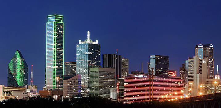 Dallas Skyline 041819 by Rospotte Photography