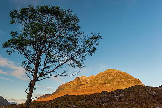 David Ross - Dawn on Liathach, Glen Torridon