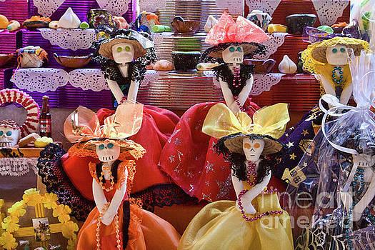 Tatiana Travelways - Dia De Los Muertos Candy Catrinas