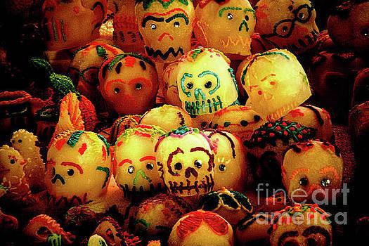 Tatiana Travelways - Dia de los Muertos Candy skulls