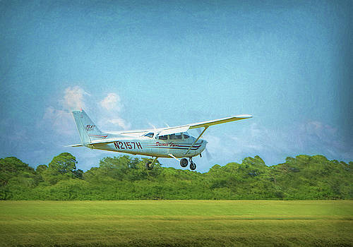 Discover Flying - Cessna Skyhawk SP by Mitch Spence