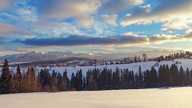 Distant Tatry mountains winter panorama by Lukasz Szczepanski