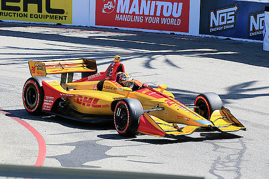 Hunter-Reay in Turn 3 by Shoal Hollingsworth
