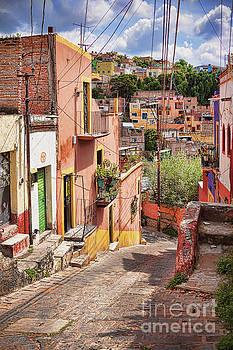 Tatiana Travelways - Downhill narrow street in Guanajuato, Mexico