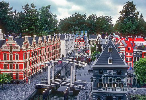 Bob Phillips - Dutch Miniature