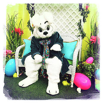 Easter Bunny by Nina Prommer