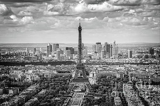 Eiffel tower and La Defense by Delphimages Photo Creations