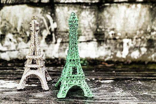 Sharon Popek - Eiffel Tower Green