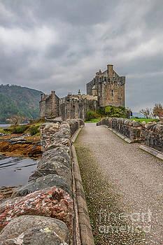 Eilean Donan Castle II by Elizabeth Dow