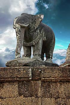 Elephant statue of Pre Rup by Steve Estvanik