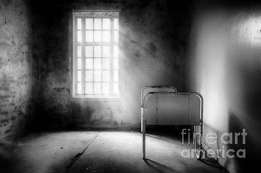 Empty Bed by Erik Brede