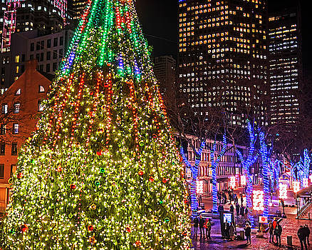 Toby McGuire - Faneuil Hall Christmas Tree 2018 Boston MA