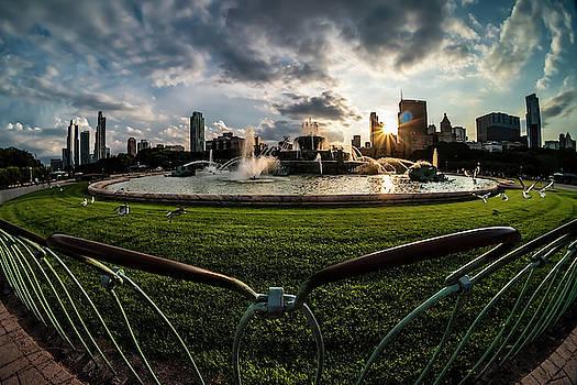 Fisheye view of Chicago's Buckingham Fountain by Sven Brogren