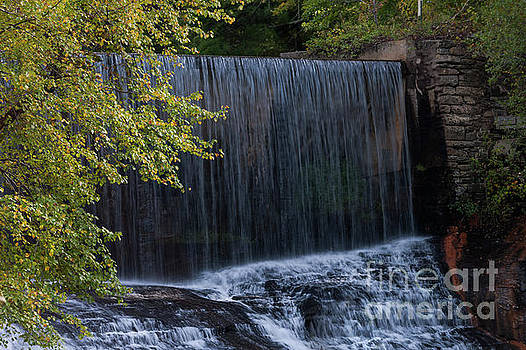 Flat Rock Water Fall by Dale Powell