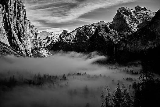 Jon Glaser - Fog in Yosemite