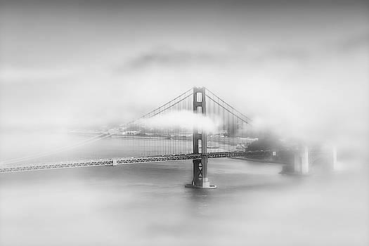 Melanie Viola - Foggy Golden Gate Bridge - Monochrome