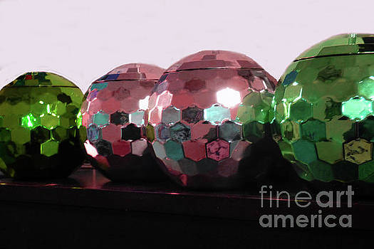 Sharon Williams Eng - Four Bright Balls