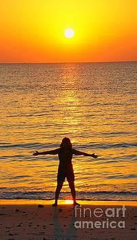 Freedom Of A Sunrise by Ian Gledhill