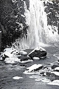Regina Geoghan - Frozen Falls