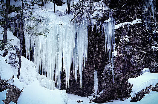 Tony Crehan - Frozen Sabbaday Falls