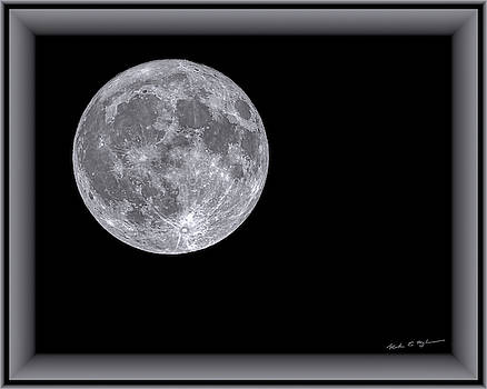 Full Moon h1853 by Mark Myhaver