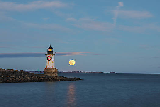 Full Moon Rising at Fort Pickering Light by Juergen Roth