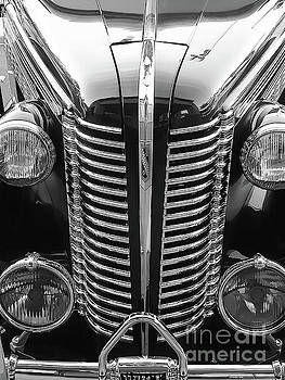 Gene's 80 Years Old Buick by Fei A