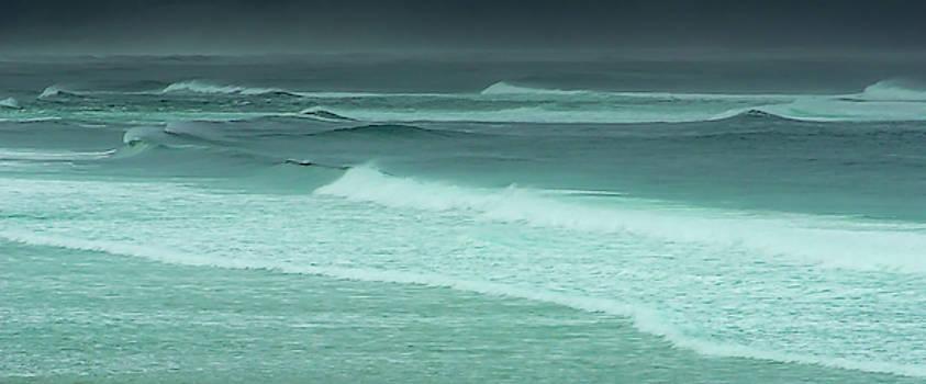 Gentle Waves by Don Schwartz