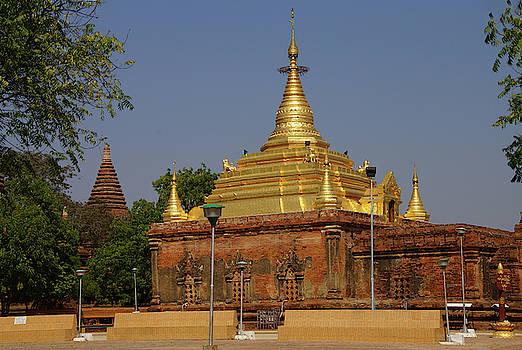 Gold pagoda of Gubyauk nge by Steve Estvanik