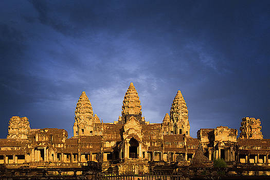 Good morning Angkor Wat by Darren Wilch
