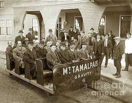 California Views Archives Mr Pat Hathaway Archives - Gravity Car No. 6, passengers and  a Gravity-Man at the Porch of the Tavern of Tamalpais