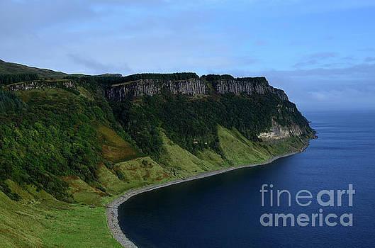 Green Sea Cliffs at Bearreraig Bay by DejaVu Designs
