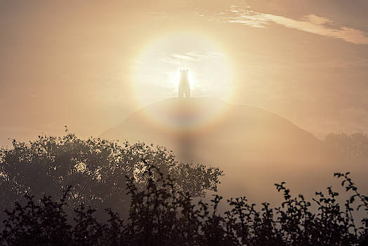 Halo And Welcome by Kev Pearson
