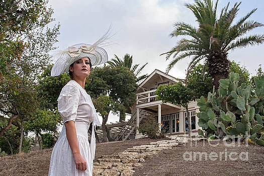 Sad Hill - Bizarre Los Angeles Archive - Haunted by History - Woman in White - Two Harbors - Catalina Island