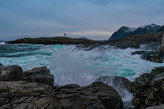 Hit the Rocks by Kai Mueller