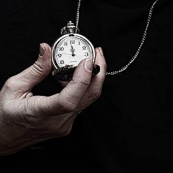 Sharon Popek - Holding Time