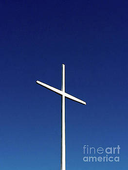 Holy Cross by Fei A