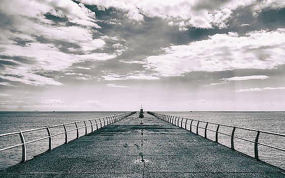 Horizon by Martin Newman