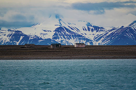 hunting cabins on Svalbard by Kai Mueller