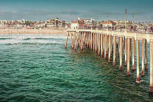 Huntington Beach, California by Art Spectrum