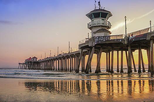 Huntington Beach Pier by Art Spectrum