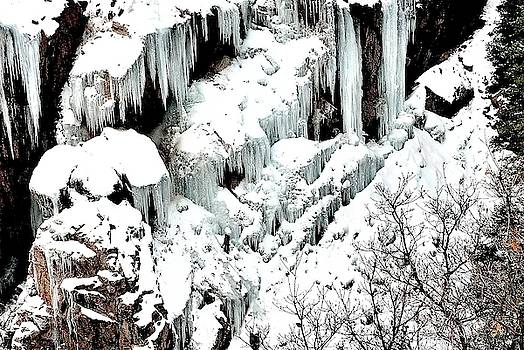 Ice formation at Box Canyon by Gerald Blaine