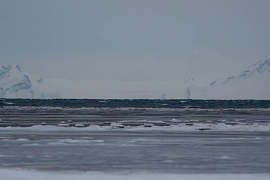 Ice horizon and sky by Kai Mueller