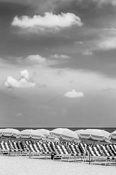 Melanie Viola - Idyllic beach scene - monochrome