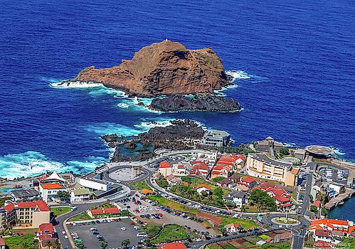 Ilheu Mole Island by Fabio Gomes Freitas