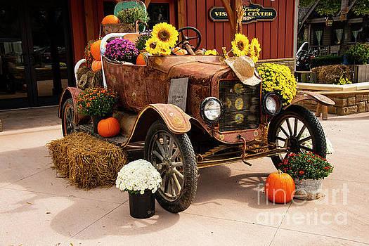 Bob Phillips - Indiana Autumn Decorations One